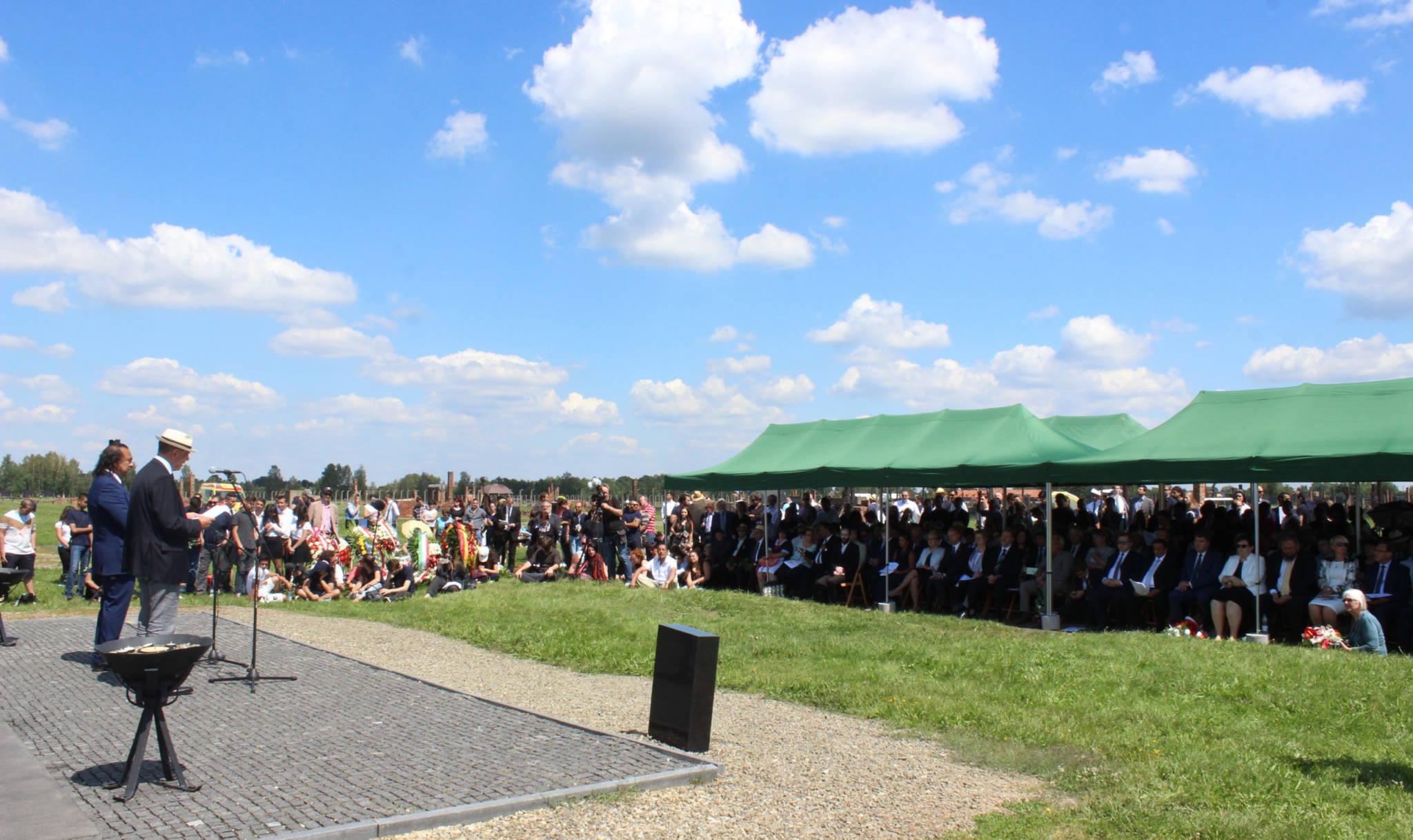 Romani Rose bei der jährlichen Gedenkveranstaltung anlässlich des Europäischen Holocaust-Gedenktages für Sinti und Roma am 2. August © Roberto Paskowski
