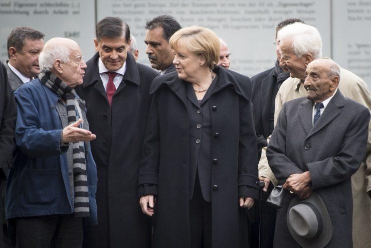 Dani Karavan, Romani Rose and Angela Merkel at the inauguration of the monument in 2012.