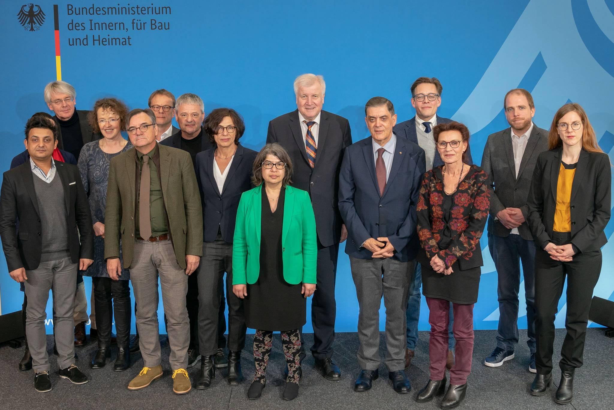 Deutscher Pov In Der öffentlichkeit