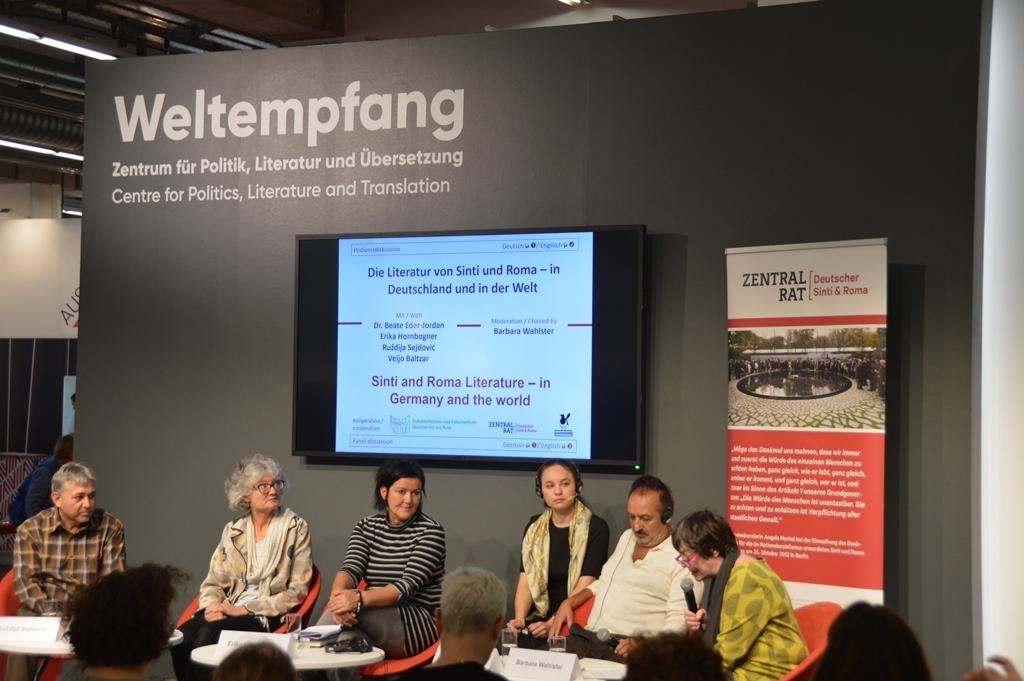 diskussionsrunde_weltempfang_literatur_der_sinti_und_roma_web